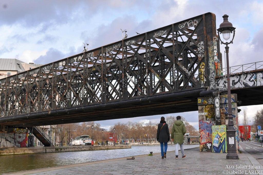 pont métallique de la petite ceinture qui traverse le canal de la villette